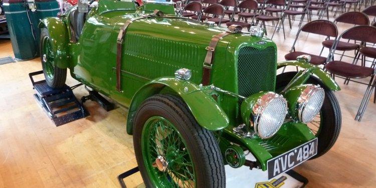 AVC 484 - 1935 Singer Nine TT Team Car