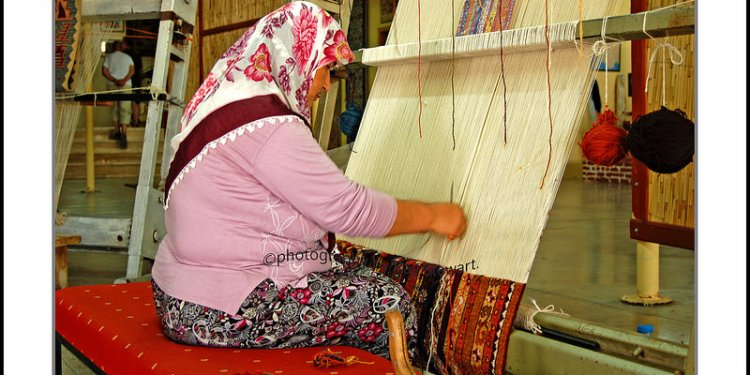 Carpet weaver. turkey