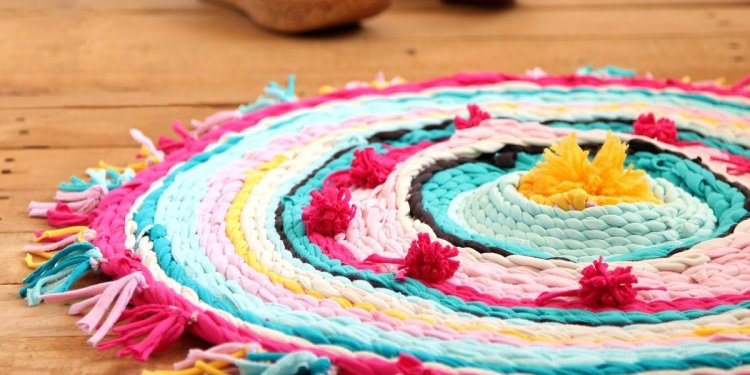 Old T Shirt Rug On A Hula Hoop