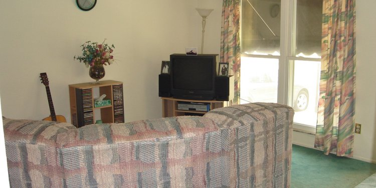 Living room (before) 1